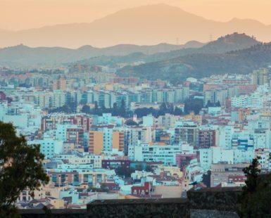 ¿Cuándo es la temporada alta en Málaga? - Hostelería